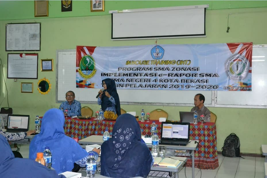 Kegiatan In-House Training (IHT) Implementasi E-Rapor SMA