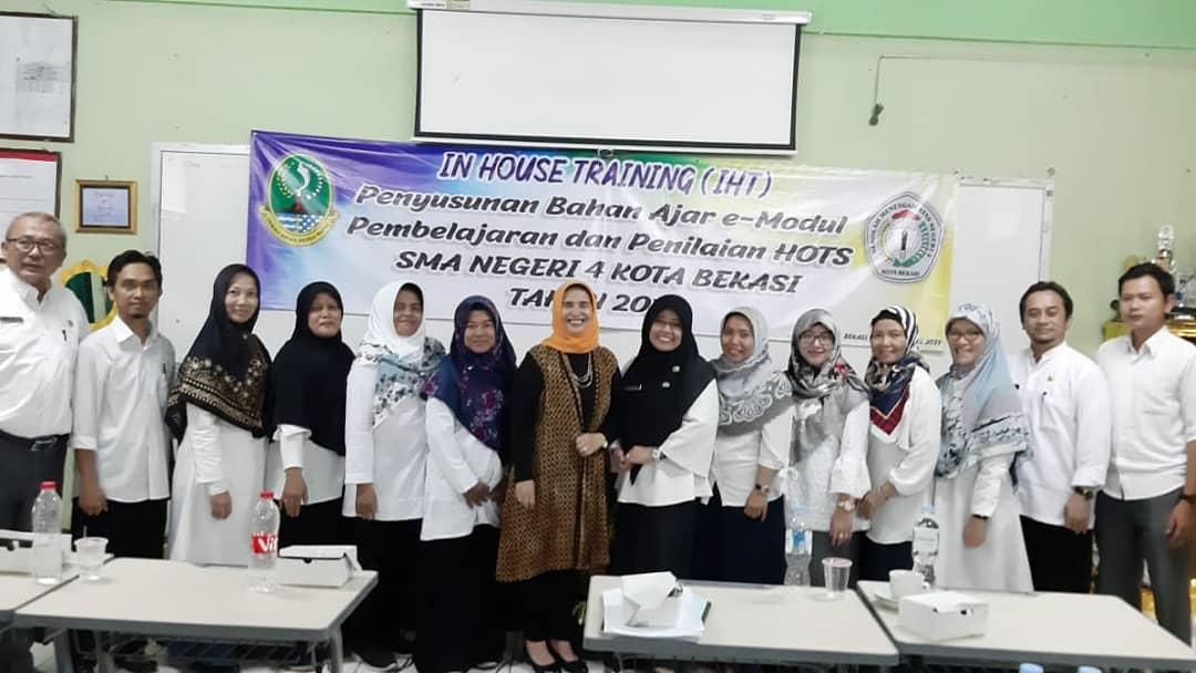 Penutupan Kegiatan In House Training (IHT)