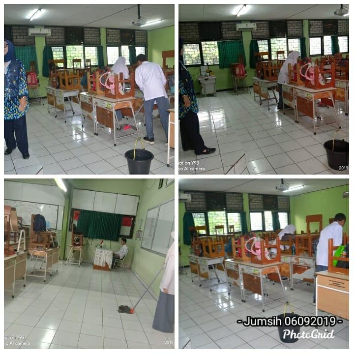 Kegiatan Jum'at Bersih di SMA Negeri 4 Kota Bekasi